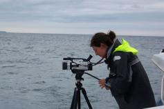 Grabando video para análisis del comportamiento de los cetáceos / Filming for the cetaceans behaviour analysis ©CEMMA